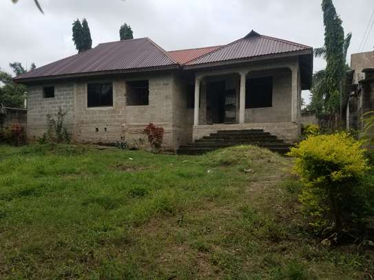 5 bedroom house for sale at Goba image 2