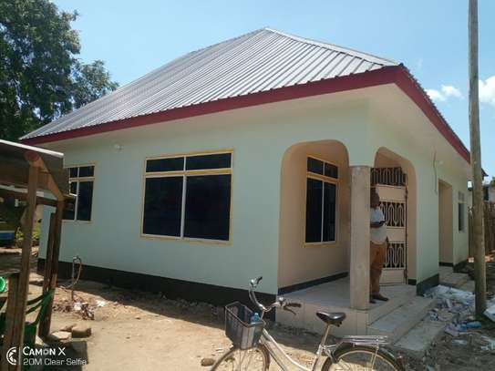 3bed  house at ada estate near leaders club tsh 1000000 image 2