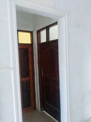 2 bedroom house for rent image 5
