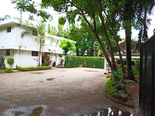 House For Sale in Oyster by Coco Beach. image 5
