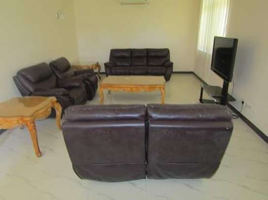 4 Bedrooms Executive and Beautiful Villa House for Rent off Oysterbay Ada Estate image 3