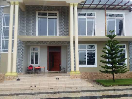 4 Bdrm House for Rent in kunduch Beach. image 1