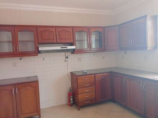 6bed house at msasani $2000pm image 5