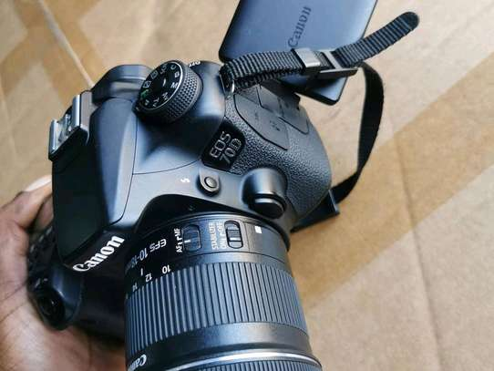 CANON EOS 70D WITH 10-18MM LENS image 5