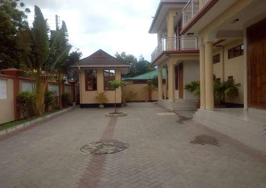 3Bdrms Fully Furnished Apartment at Mwenge