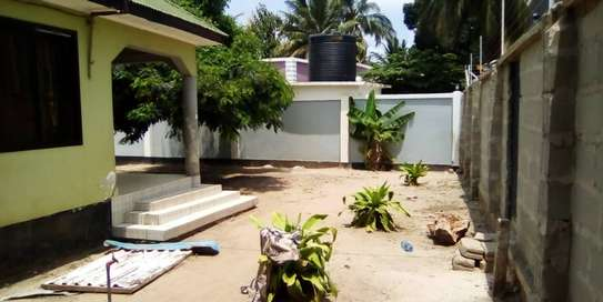 3 bed room house for sale  at madale image 9