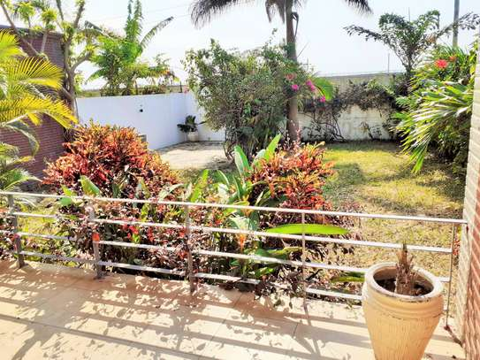 Specious 4 Bedrooms Townhouse With Sea View image 1