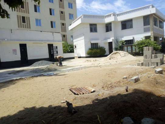 8 Rooms house in Mikocheni near rose garden road, to let. image 1