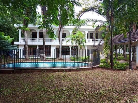 House For Sale in Oyster by Coco Beach. image 6