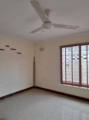 3bedroom standalone house to let in Mikocheni image 13