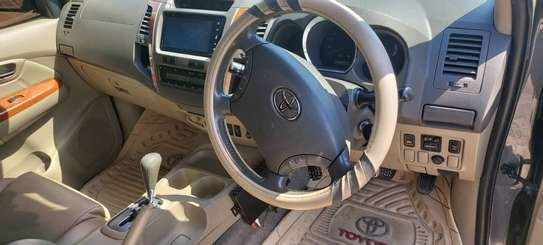 2010 Toyota Fortuner image 5