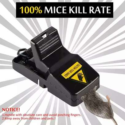 A pack of 5 mice re-usable traps image 4