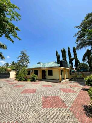 HOUSE FOR RENT STAND ALONE IN TEGETA IPTL image 1