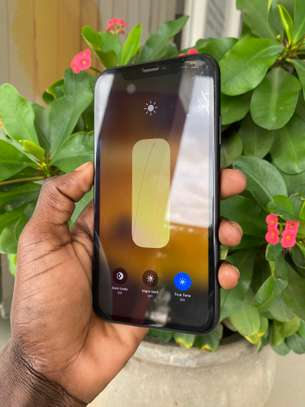  iPhone Xr 128GB ( USED ). image 1