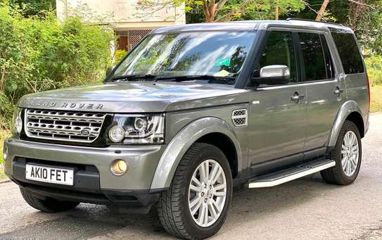 2011 Land Rover Discovery image 2