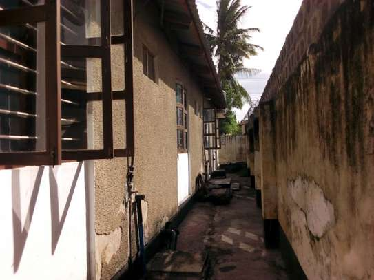 3bed house at msasani tsh 800,000 walking distance to the beach image 11