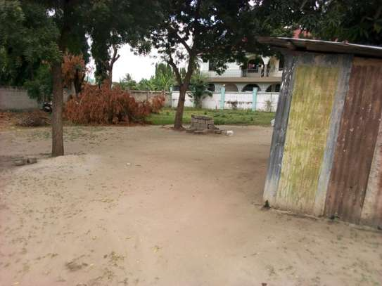 plot 2000sqm at mbezi beach tsh 200milion image 2