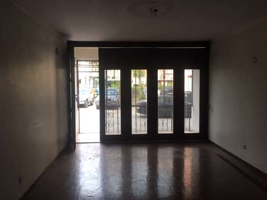 3 Bedroom Apartment / Flat for sale in Upanga image 5