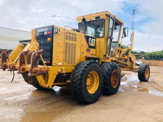 2011 Caterpillar 140K USD 105,000/= FOB image 5