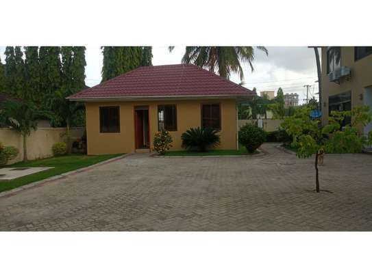 1bed villa at mikocheni  tsh 600,000