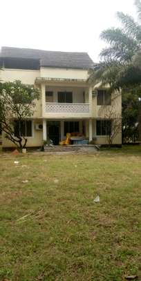 House for rent located at Mikocheni regent estate opposite wamata image 1