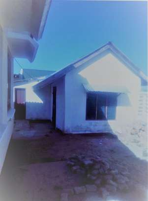 2 in 1 House for sale Ununio image 10