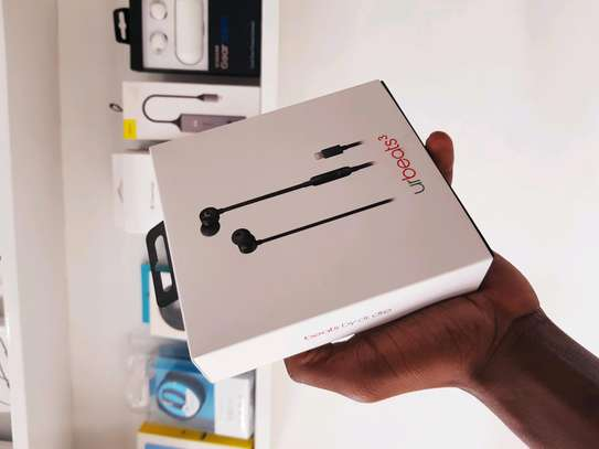 UR BEATS 3 with Lightning connector image 5
