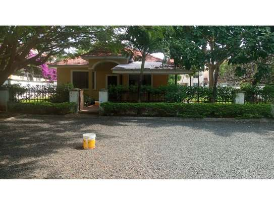 3bed compound house at oyster bay with big garden  on tarmac image 7