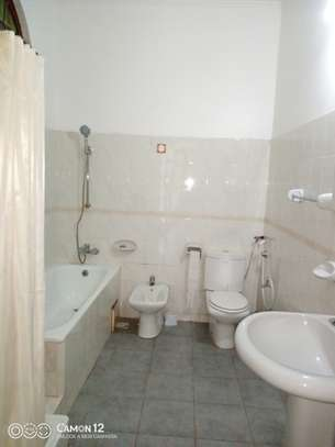 5bdrm house to let in masaki image 4