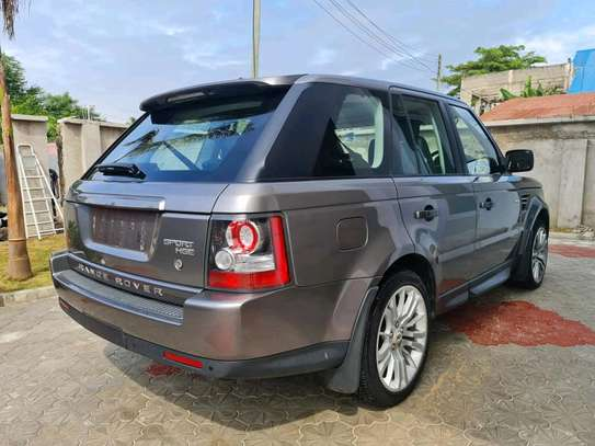 2010 Land Rover Range Rover Sport image 2