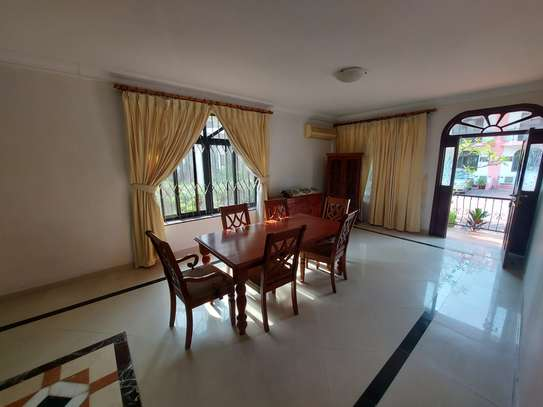 4BEDROOMS LUXUARY VILLAH FOR RENT image 4