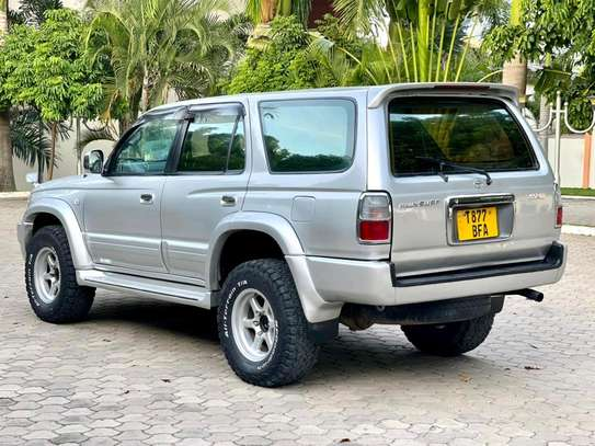 2000 Toyota Hilux Surf image 4
