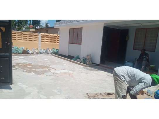 4 bed room house for rent tsh 1000000ml at mikocheni image 6