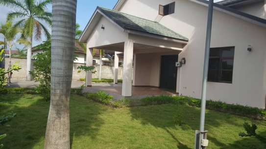 5 bed room house for sale at boko chasimba image 10