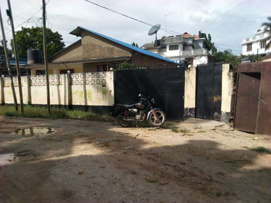 3bed house at msasani tsh 800,000 walking distance to the beach image 1