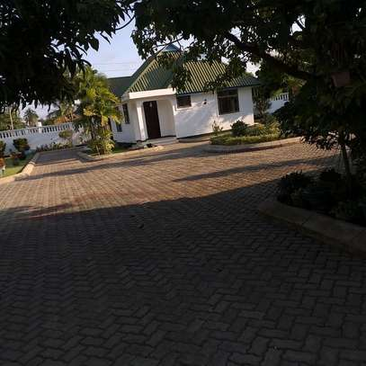 2 Bedrooms House in Mbezi