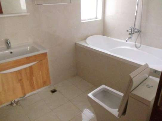 3bed  apartment at oyster bay $1300pm image 4
