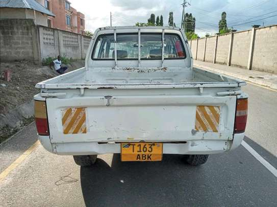 1996 Toyota Hilux image 7