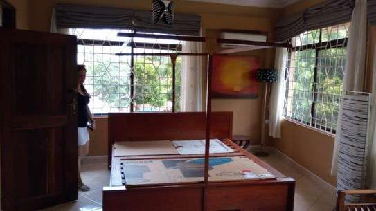 4bed house in the compound at msasani $800pm image 2