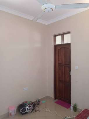 1bed house at mbezi kimara kibanda cha mkaa tsh 200,000 no kitchen please image 9