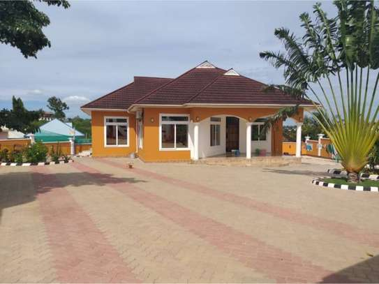 3bed house for sale at mbezi makabe  2361sqm tsh 600mil