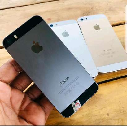 iphone 5s Used from DUBAI image 3