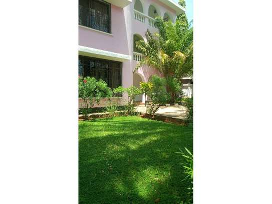 5bed town house at msasani,office,residance $1000pm image 7