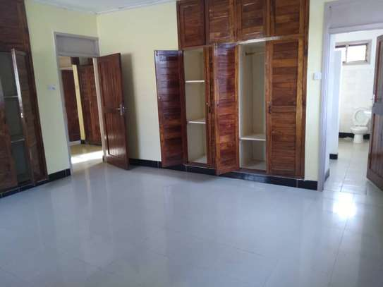 House for rent near Prime Minister Area D-Dodoma image 8