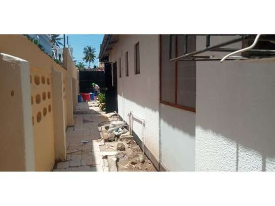 4 bed room house for rent tsh 1000000ml at mikocheni image 8