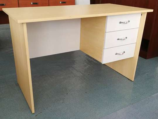 OFFICE TABLE WITH THREE DRAWERS