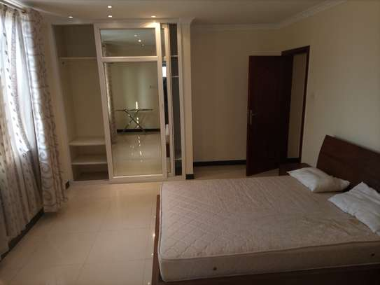 Luxury 2 bedrooms Apartment Fully furnished for rent image 7