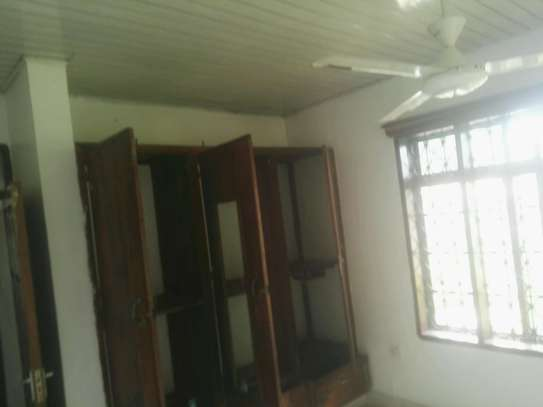 House for rent.5bedroom Office or living business etc. image 8