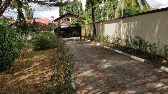 3bed a stand alone at ada estate available image 12