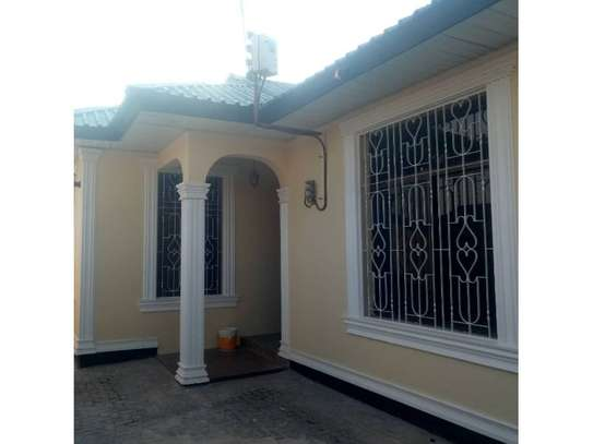 3bed house at kinondoni tsh 1,000,000